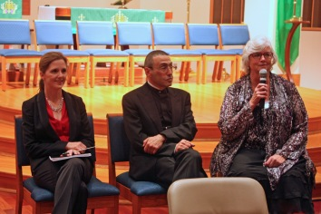 Erin Freeman (Symphony Chamber Chorus Conductor), Alexander Paley, and Pamela McClain answerng questions